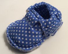 chaussons pour bébé. DIY, tutoriel pas à pas. Baby Couture, Alaia, Baby Shoes, Slippers, Sewing, Crochet, Crafts, Blog, Fun