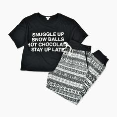 New PJ's as the Christmas Eve present -> wearing them on Christmas morning while opening gifts with all of the family! Christmas Clothes, Christmas Outfits, Cozy Pajamas, Pyjamas, Pajama Party, Pajama Set, Christmas Morning, Christmas Eve, Garage Clothing
