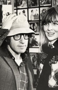 """Woody Allen et Diane Keaton dans l'irrésistible film """"Annie Hall """" Annie Hall, Diane Keaton Woody Allen, Dianne Keaton, Young Gifted And Black, Picture Collection, Film Director, Man Photo, Famous Faces, Fashion Pictures"""