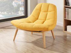 Vous allez adorez le design tendance, le tissu capitonné et les pieds coniques en bois du fauteuil KRIBI jaune. Son assise profonde vous garantit un confort exceptionnel !