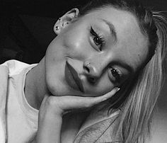 - Best Picture For Piercing para as orelhas For Your Taste You are looking for something, and it is - Cute Piercings, Body Piercings, Bellybutton Piercings, Spanish Actress, Woman Crush, Beautiful Celebrities, Pretty Face, Makeup Looks, Ear Piercings