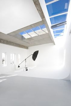 Roodebloem Studios, situated in Woodstock, Cape Town, is the original one-stop photographic studio and equipment rental company. Photography Studio Spaces, Photography Backdrops, Children Photography, Studio Desing, Photographers Office, Studio Floor Plans, Studio Rental, Studio Build, Dream Studio