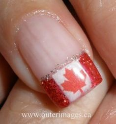 Opting for bright colours or intricate nail art isn't a must anymore. This year, nude nail designs are becoming a trend. Here are some nude nail designs. Usa Nails, Glitter Manicure, French Tip Nails, French Manicures, Types Of Nails, Nail Tips, Nail Ideas, Holiday Nails, Nails Magazine