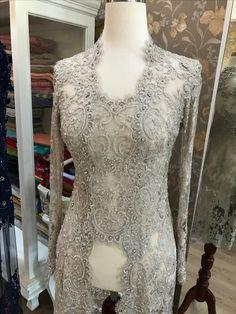 49 Ideas for dress hijab formal modern abaya Kebaya Muslim, Kebaya Hijab, Kebaya Brokat, Kebaya Lace, Batik Kebaya, Kebaya Dress, Trendy Dresses, Women's Fashion Dresses, Elegant Dresses