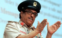 The United Arab Emirates should sever commercial ties with Iran's regime, Dubai's security chief has said. Lieutenant General Dahi Khalfan bin Tamim, Head of General Security for the Emirate of Dubai, claimed the authorities in the UAE should cea...