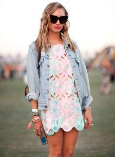 Pastel floral cut-out dress at Coachella. #streetstyle #denim #floral #coachella