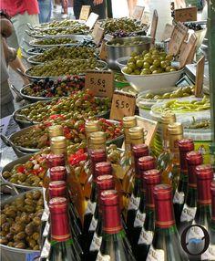 Mercadillos en Mallorca  http://www.inmonova.com/blog/mercadillos-en-mallorca/