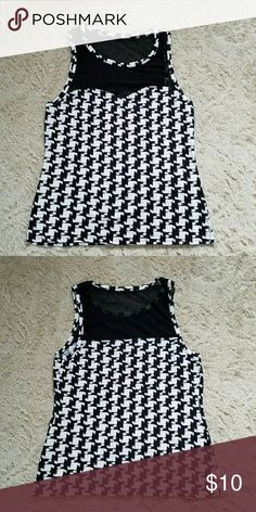 ???Houndstooth  Express Top??? Very form fitting top with see through mesh on the top and back are. This is true to size and does have the perfect stretch to it. Please feel free to ask questions.   Thank you <3 Tops Blouses