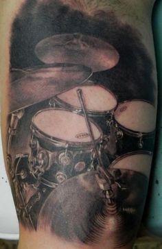 Tatuagem Batera by Xavier Garcia Boix | Arte Tattoo - Fotos e Ideias para Tatuagens