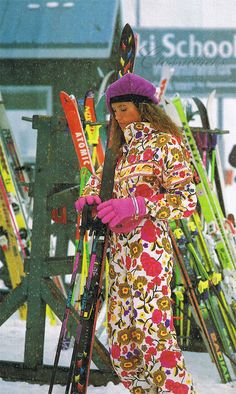 Homepage – Kit Lender — Simple Ski and Snowboard Clothing Rentals for Your Next Trip Bringing some summer to the snow🌷 Ski Fashion, Winter Fashion, High Fashion, Sport Fashion, Retro Fashion, Ski Onesie, Apres Ski Outfits, Ski Bunnies, Ski And Snowboard