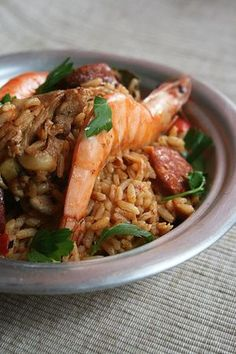 Jambalaya selon Jamie Oliver - Passion culinaire by Minouchka - Seafood Recipes Jambalaya, Seafood Recipes, Dinner Recipes, Cooking Recipes, Food Obsession, Rice Dishes, Perfect Food, Good Food, Food Porn