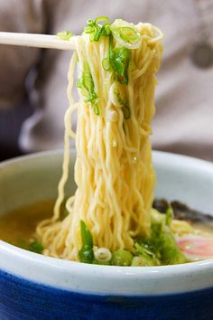 Recipe | EASY Ramen Noodles ~ How do you like to spend your Saturdays? Lounging around in my bathrobe, scanning Pinterest, and planning a shopping trip often fill my treasured Saturday mornings. I like to make something relaxing and comforting for lunch... #comfort food #pasta