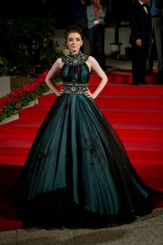 Sarah Bolger in Marchesa. Venezia red carpet