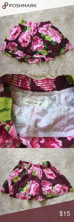 Abercrombie Flowery Flowy Skirt Flowy, not too short. Perfect for the Summer! Looks brand new. Abercrombie & Fitch Skirts