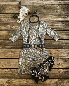 Shine on Pretty Lady! - COWGIRL Magazine-I like it, but not with the belt and necklace. Cowgirl Outfits, Cowgirl Style, Western Outfits, Western Wear, Gypsy Style, My Style, Sequin Outfit, Christmas Party Outfits, Country Girls Outfits
