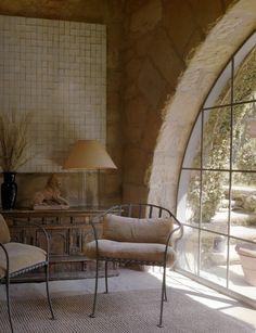 The Peak of Tres Chic: Designer Crush: John Saladino  Love the chairs and the painting.