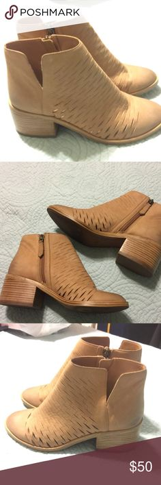 Linea Paolo Leather Booties Size 7 Linea Paolo Leather Booties Size 7. Very soft, beautiful leather! In excellent condition. Linea Paolo Shoes Ankle Boots & Booties
