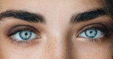 Easy Eye Makeup Tutorial For Blue Eyes, Brown Eyes, or Hazel Eyes…. Ocean Blue Eyes, Light Blue Eyes, Pretty Blue Eyes, Green Eyes, White Eyes, Blue Eyes Aesthetic, People With Blue Eyes, Beautiful Eyes Color, Simple Eye Makeup