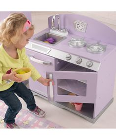 Audrey's kitchen (only hers is pink)
