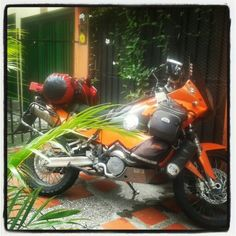 Bienvenidos motociclistas a  #palmtreehostelmedellin #Mochileros #Viajeros  Palm Tree Hostal Medellin; Our backpacker Hostel in #Medellin,  #Colombia #travel #traveler #traveling #lp #lonelyplanet  #Enmicolombia #MaravillasdeColombia #hostel #hosteling #bakcpacker #backpacking  #SouthAmerica #hostelworld #culture #nature #adventure #traveltheworld #hostelbookers #hostelworld #hw #lonelyplanet #lp #tripadvisor #traveltips #traveltips #tips #trip #ecotravel #photography #pics #instatravel…