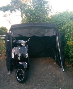 Folding #motorcycle #cover ideal for all types of #motorbikes #bikecover #bike #vespa #scooter #shed #cover - http://www.feelgooduk.net/gardens-outdoors/motorcycle-covers/