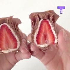 """4,320 curtidas, 122 comentários - Blog Mae Festeira 🇺🇸🇧🇷 (@mae_festeira) no Instagram: """"Olha que perfeição esses morangos 🍓🍓🌹🌹🌹 . #maefesteira #mae_festeira #pastaamericana #food #morangos"""""""