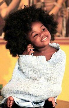 Afro - so beautiful Beautiful Black Babies, Beautiful Children, Curly Hair Styles, Natural Hair Styles, Twisted Hair, Pelo Afro, Natural Hair Regimen, Pelo Natural, Natural Baby