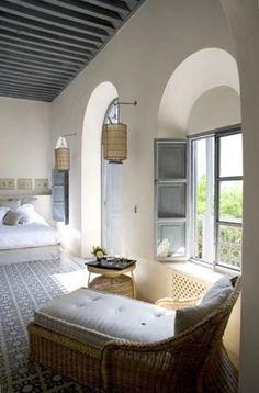 Curioso? Accedi a luxxu.net per trovare i migliori ispiratori di illuminazione per il tuo nuovo progetto di arredamento per la casa! Illuminazione e mobili di lusso e ancora moderni