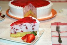 Tort cu iaurt si capsuni |  MiremircMiremirc | ... bucataria in imagini
