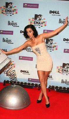 Katy Perry – Breaking Celeb News, Entertainment News, and Celebrity Gossip Katy Perry Legs, Katy Perry Hot, Katy Perry Wallpaper, Katy Perry Pictures, Famous Singers, Female Singers, American Singers, My Idol, Celebs
