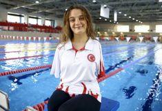 Dünya Paralimpik Yüzme Şampiyonası'nda kadınlar 50 metre sırt üstünde yarışan Sümeyye Boyacı, dünya ikincisi oldu Metre, Crop Tops, Website, Women, Fashion, Olinda, Cropped Tops, Moda, Women's