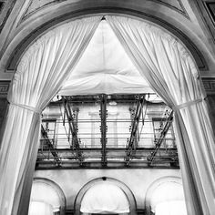 Good location #villalemaschere #location #tuscany #toscana #architecture #interiordesign #shooting #work #worklife #photo #bnw #insta_bw #igers #blackandwhite #love #cool #moment #instagram #instagood #picture #pic #alessandrobianchi #photographer #goodmorning #friday #iphone