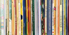 Os livros para crianças não só nos auxiliam a ler e contar histórias - são pontes para um universo de representações, contato e aprendizado de nossa língua, cultura e nossos valores.