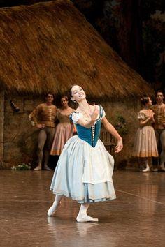 Dorothée Gilbert in Paris Opera Ballet's Giselle