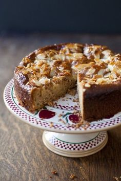 Swedish Apple and Almond Cake , perfect cake to celebrate autumn. Apple Desserts, Apple Recipes, Just Desserts, Sweet Recipes, Delicious Desserts, Dessert Recipes, Apple Cakes, Apple And Almond Cake, Almond Cakes