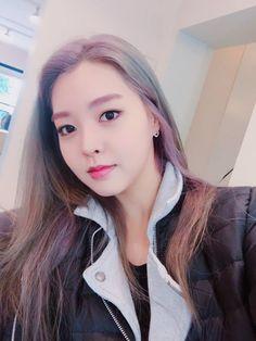 Berry Good, Korean Celebrities, Berries, Icons, Girls, Bays, Symbols, Berry, Ikon