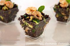 Il Riso venere gamberi e zucchine è un gustoso piatto freddo estivo molto semplice da preparare ed estremamente leggero e nutriente.