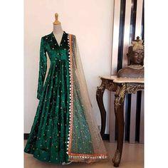 Most Popular ideas velvet dress indian bridal lehenga Shadi Dresses, Indian Gowns Dresses, Pakistani Dresses, Indian Outfits, Trendy Dresses, Fashion Dresses, Velvet Dress Designs, Sharara Designs, Indian Bridal Lehenga