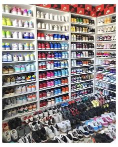 All Nike Shoes, Dr Shoes, Hype Shoes, Shoes Jordans, Nike Air Jordans, Shoes Heels, Jordan Shoes Girls, Girls Shoes, Jordan Sneakers