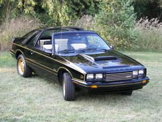 Fox Bodied Mercury Capri. My mom had one of these, white with black trim and blue interior. I luv the wide body shaping of the fenders & quarter panels on these cars.
