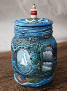 πολυμερές πηλό της θάλασσας σε ένα γυάλινο βάζο