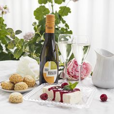 Kulinaari italialainen zabaione-jäädyke Alcoholic Drinks, Cheese, Rose, Healthy, Pink, Liquor Drinks, Roses, Alcoholic Beverages, Liquor