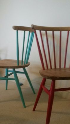 Ercol chairs - found for Woodglued and fixed split in seat, sanded and painted spindles in eggshell Chalk Paint Chairs, Painted Chairs, Hand Painted Furniture, Recycled Furniture, Ercol Chair, Ercol Furniture, Home Furniture, Swivel Chair, Breakfast Bar Stools