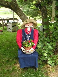 Garden Lady From Chair By Pattico Photo:  This Photo was uploaded by sangaree_KS. Find other Garden Lady From Chair By Pattico pictures and photos or upl...