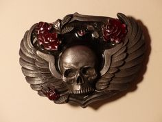 SKULL BELT BUCKLE - Goth - Skull with Roses Belt Buckle by GOLLYWOODBOULEVARD on Etsy Skull Belt Buckle, Belt Buckles, Skulls And Roses, Goth, Lion Sculpture, Belts, Vintage, Accessories, Jewelry