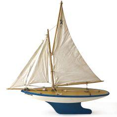 A fine vintage Star Yacht of Birkenhead Southern Star SY6 Pond Yacht
