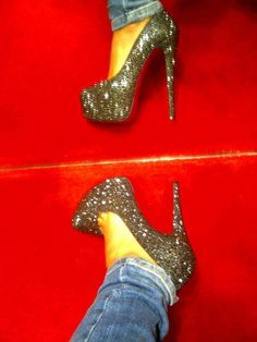 i want glittery shoes sooo bad