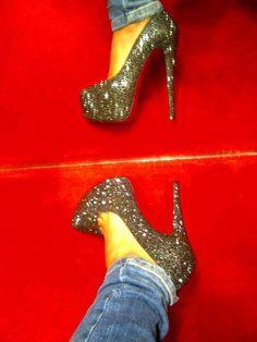 i want glittery shoes sooo bad