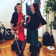 #red #green @thesavileclub #electrotwinsduo #electricviolin #dj.  Violin&dj super duo !