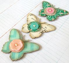 Pretty layered butterflies.  Would make gorgeous fridge magnets.  ♥♥♥